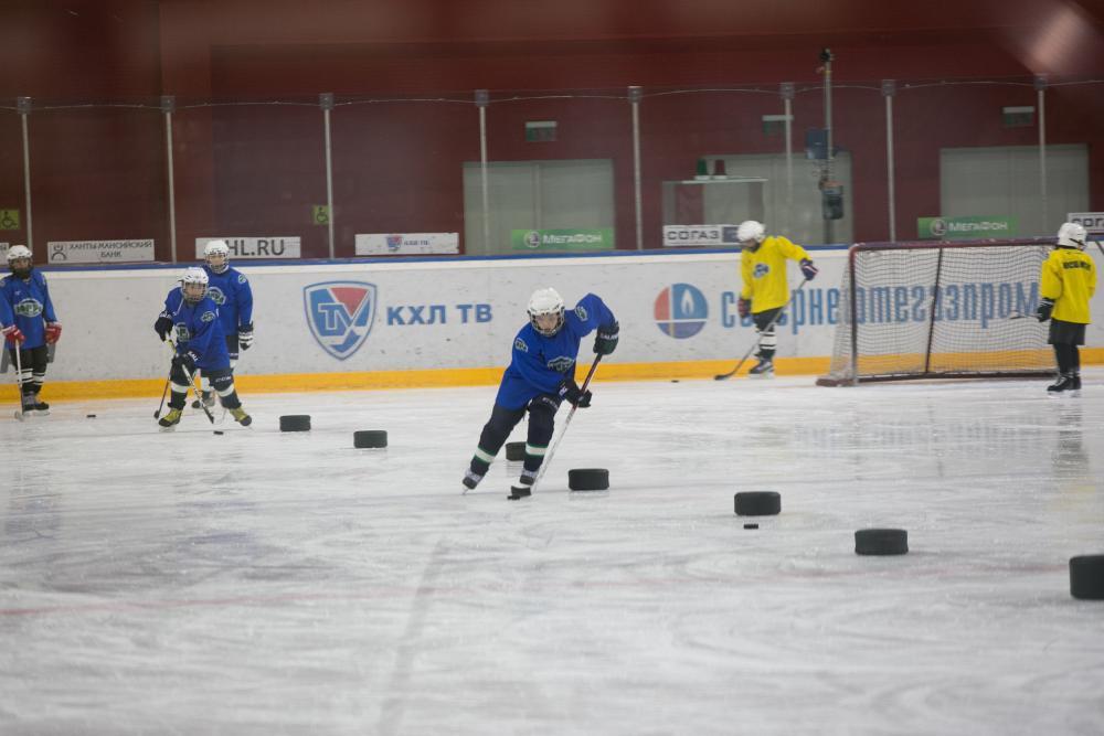 Тренировки по хоккею длядетей со старними
